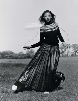 fade-to-black-jamie-hawkesworth-for-vogue-uk-september-2015-9