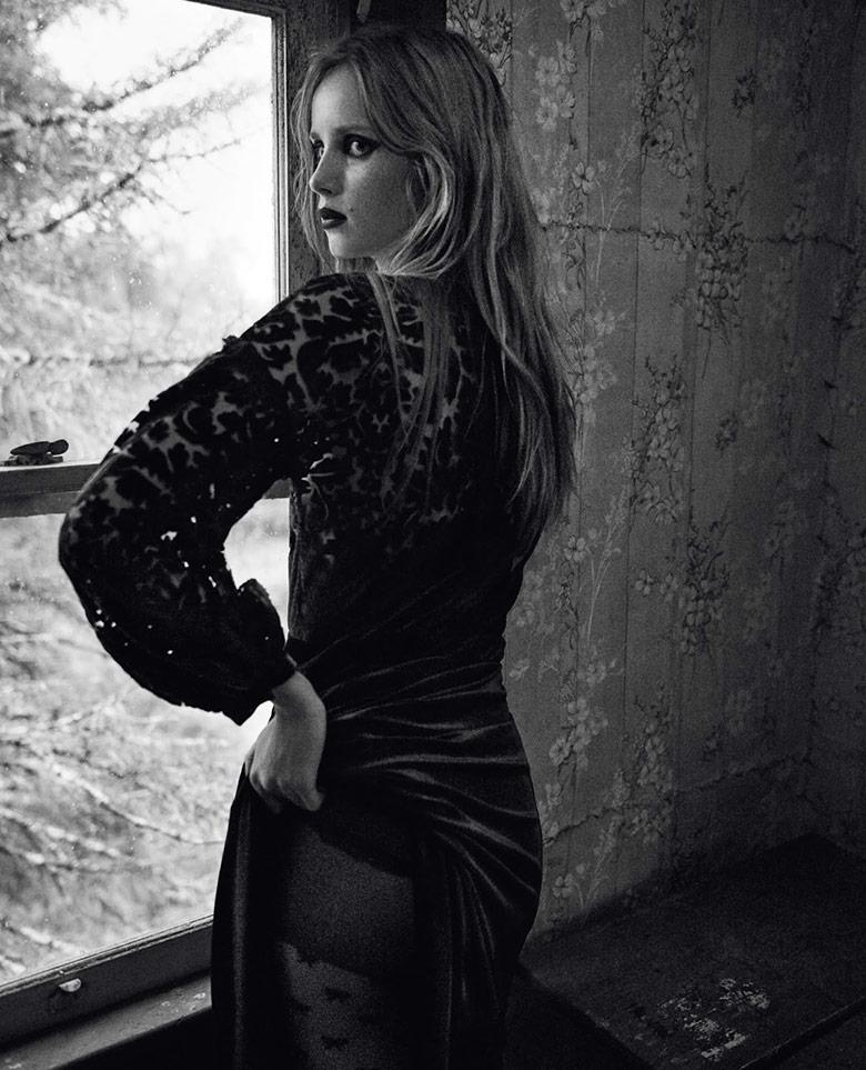 Photo Rianne Van Rompaey by Craig McDean for Vogue UK September 2015