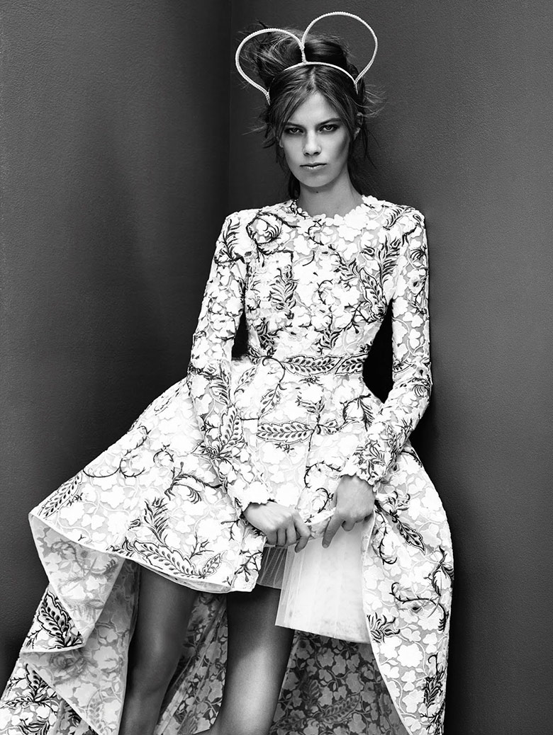 lexi-boling-nathaniel-goldber-vogue-china-collections-october-2015-3