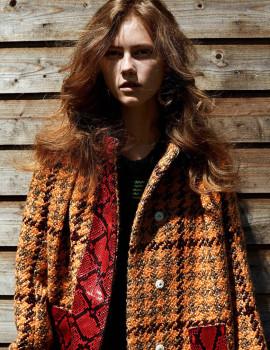 julie-hoomans-vogue-netherlands-october-2015-1
