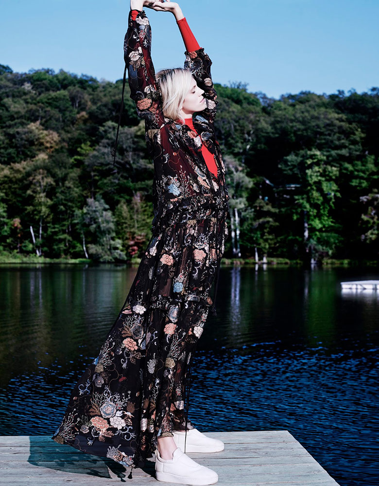 Photo Devon Windsor by Catherine Servel for Numero Tokyo December 2015