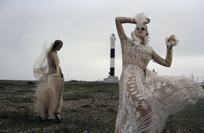 Photo Magdalena Jasek & Louise Parker for Vogue Italia January 2016