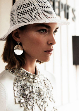 arizona-muse-claudia-knoepfel-vogue-paris-january-2017-2