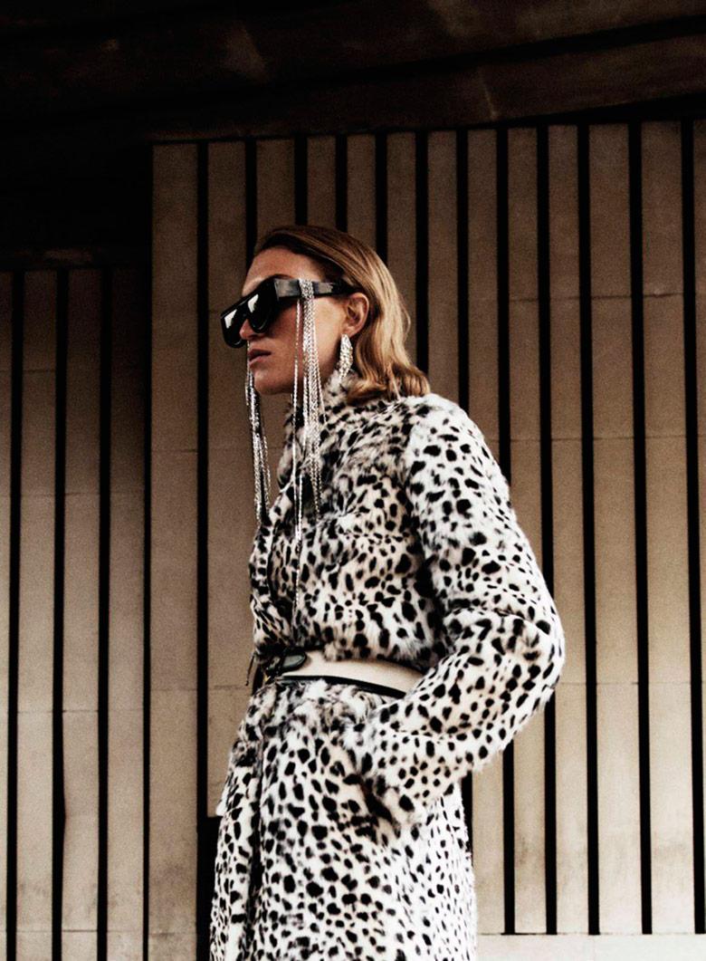 Photo Arizona Muse by Claudia Knoepfel for Vogue Paris January 2017