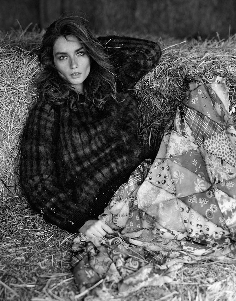 Photo Andreea Diaconu by Dan Martensen for Vogue Paris August 2017
