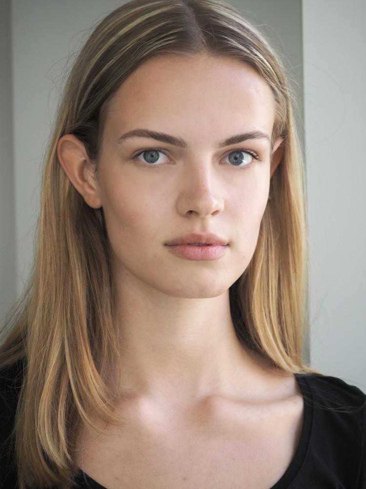 Photo Model Of The Week — Sophia Roetz